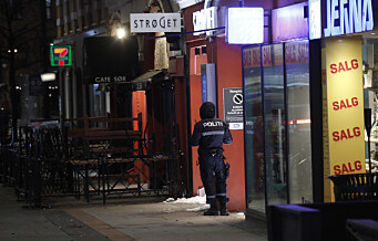 Politiet etterlyser vitner etter livstruende knivstikking i Torggata lørdag