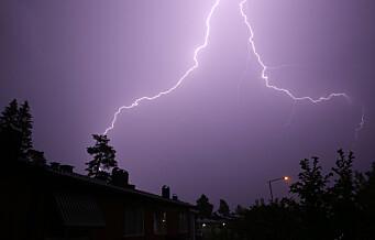 10.581 lynnedslag i løpet av én time på Østlandet. Her er noen lynraske råd som forebygger uhell