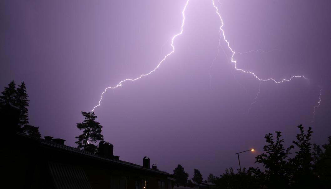 Det er lurt å ta noen forholdsregler når det lyner og tordner. Illustrasjonsfoto: Cornelius Poppe / NTB