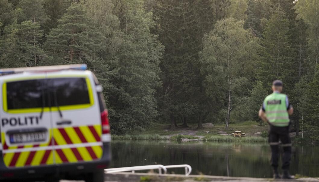 Nødetatene rykket ut til Badedammen i Groruddalen der en 33 år gammel mann døde etter en drukningsulykke. Foto: Fredrik Hagen / NTB.