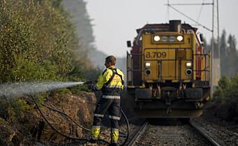 Gjøvikbanen fortsatt stengt etter skogbrann i Maridalen