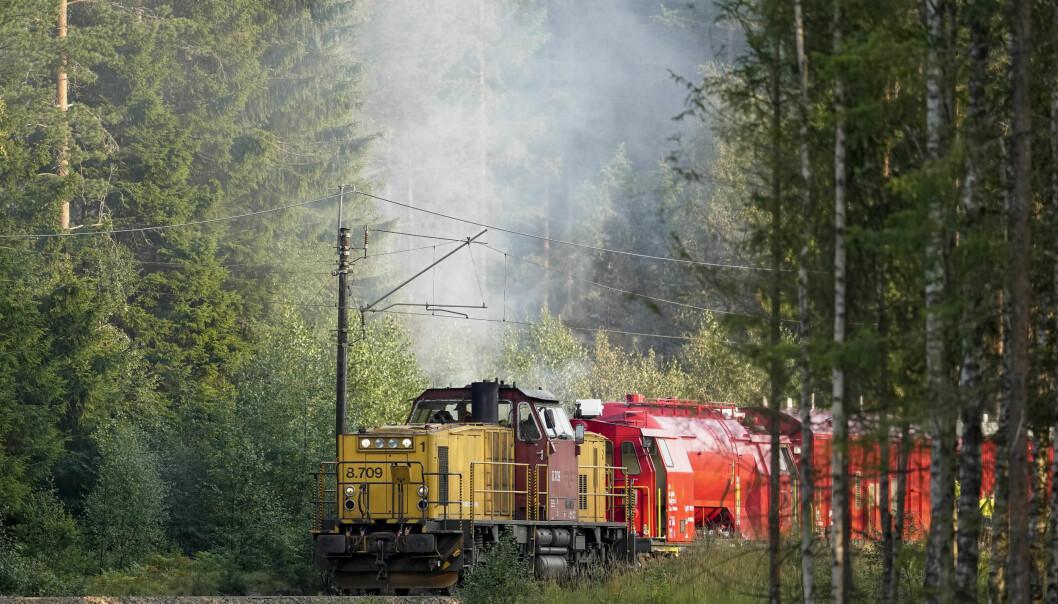 Gjøvikbanen ble stengt i flere timer mellom Oslo S og Nittedal som følge av brannen langs togskinnene.