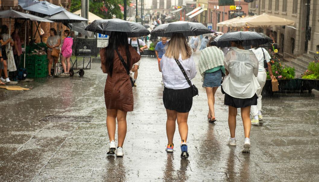 Med styrtregnet over Oslo kommer værskilllet. Det blir ustabilt sommervær i minst ti dager framover, melder Meteorologisk institutt.