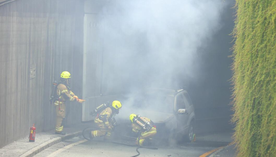 Meldingen om brannen kom mandag ettermiddag.