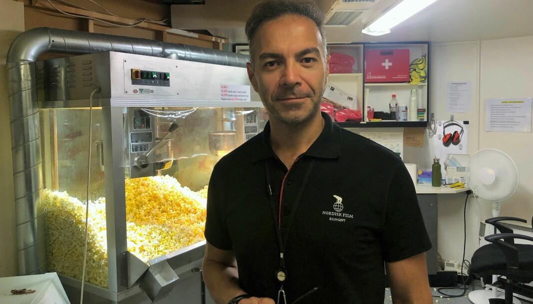 Assisterende kinosjef Foad Ighani (37) mener regnværet har fyllt opp salene i Oslos kinoer de siste dagene.