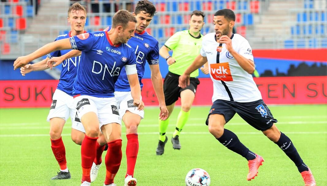Vålerenga-kaptein Jonathan Tollås Nation og resten av forsvaret hadde god kontroll på Gent-spillerne de første 45 minuttene i kveld.