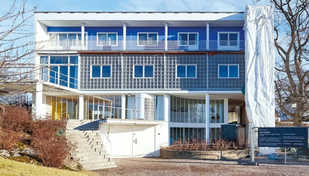 Den unike funksjonalistisk villaen, tegnet av Arne Korsmo i 1937, har store pusskader på østveggen.