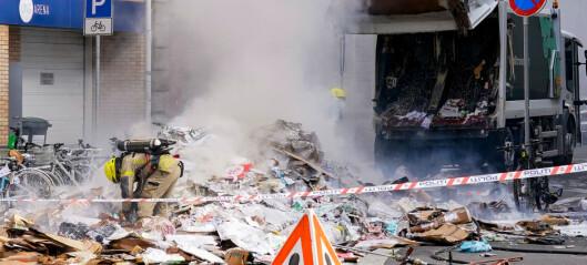 Brann i gassdrevet søppelbil i Grønlandsleiret under kontroll