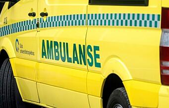 Skadd elsparkesyklist hoppet ut av ambulanse. Ble til slutt sporet opp av politiet, som overtalte ham til å oppsøke legevakt