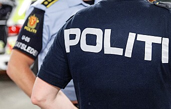 En mann i 20-årene knivstukket på Grønland. Flere ble sett på løpende fra stedet