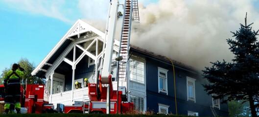 Trehus-brann i Kjelsåsveien: - Fare for at gulv og tak kan kollapse