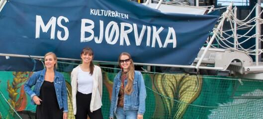 På denne lille kulturbåten ved Operastranda åpner en ny og spennende dokumentar-festival