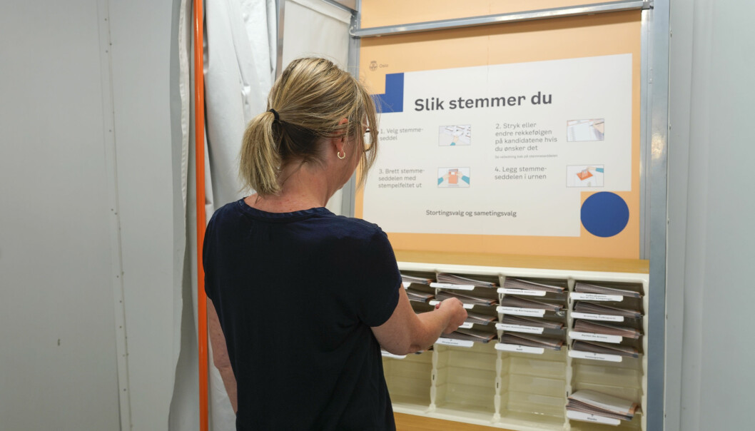 Et mobilt stemmelokale i Hydroparken ved Solli plass i Oslo. Aldri tidligere har så mange som 3,8 millioner mennesker hatt anledning til å stemme under et stortingsvalg.