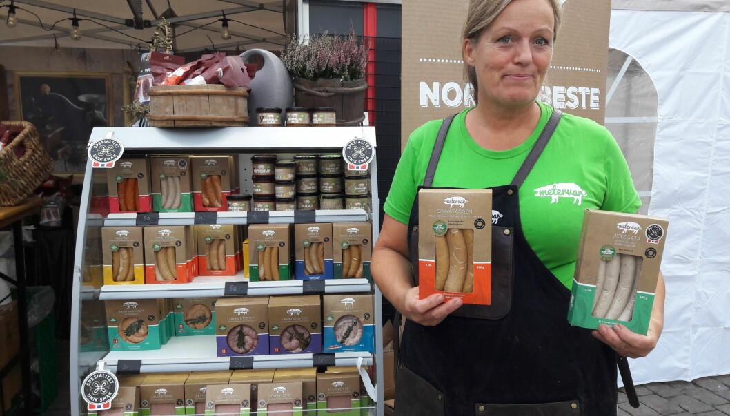Mona Elisabeth Rustad er lokalmatentusiast og mener torghandel er en flott måte å møtes på.