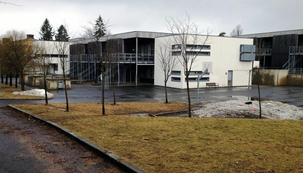 Kastellet skole i bydel Nordstrand. Stemmesedlene som var i valglokalet, er brakt til Oslo rådhus og vil bli talt opp der.