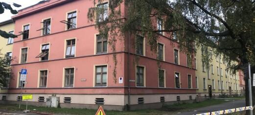 Brann i bygård på Torshov slukket: - Mye skader i oppgangen hvor det har brent