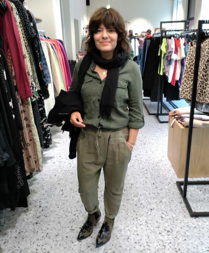 Karin Fou liker å gå på skattejakt etter litt spesielle klær i butikkene til Fretex.