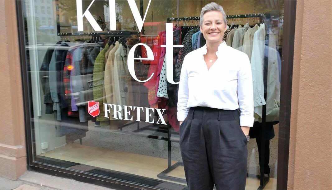 Butikksjef Kristin Hareide (49) håper flere får øye på bruktklær gjennom Fretex sitt nye kleskonsept.