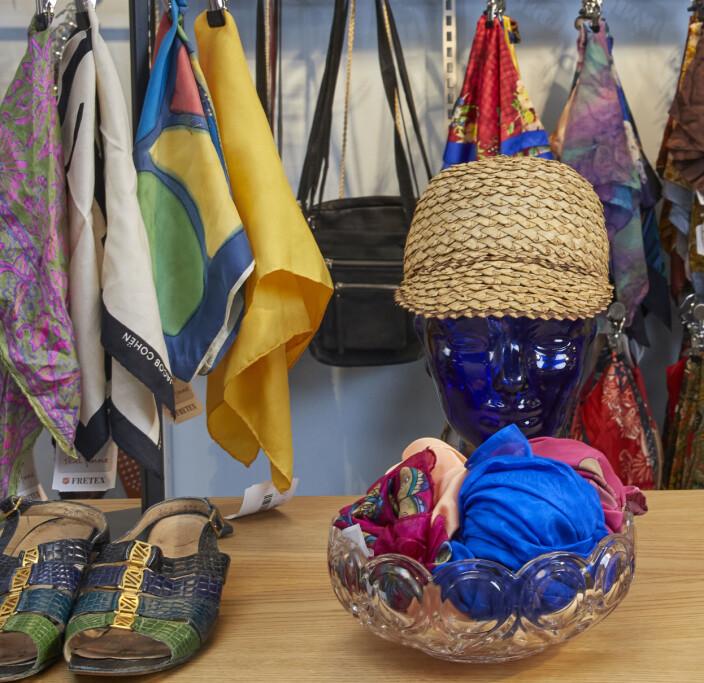 I to av butikkene til Fretex vil det nå bli mer spesielle klær og merker som gjelder.
