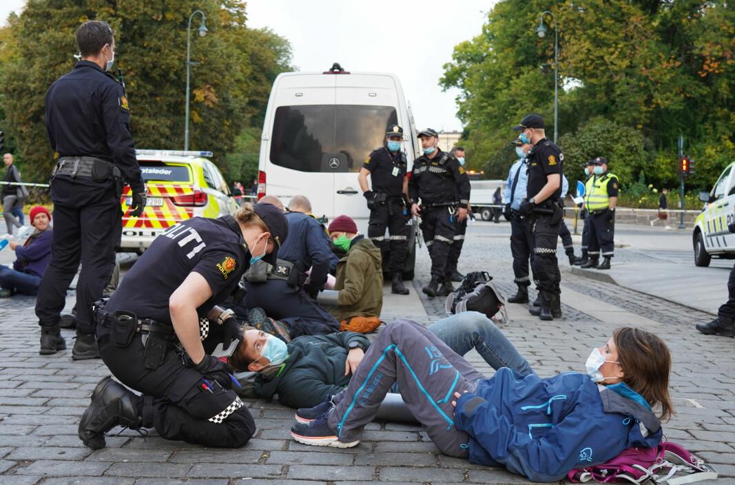 Ved 06.40-tiden en mandag morgen i september i fjor sperret Extinction Rebellion Frederiks gate, Ring 2, ved Karl Johans gate nedenfor Slottet.