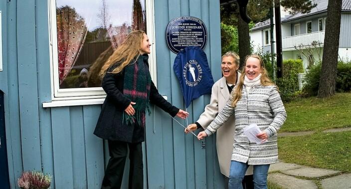 Jorunn Kirkenær, en av landets mest kjente dansere og pedagoger, hedres med blått skilt på Smestad