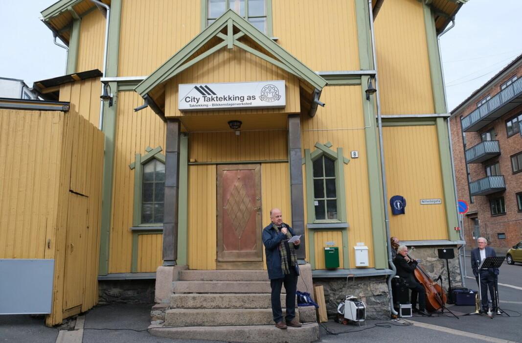 En av initiativtakerne til det blå skiltet for bedehuset Betania, Arne J. Eriksen, forteller om Lille indremission i Christiania og bedehusets historie.