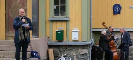 Det gamle Bedehuset Betania hedret med blått minneskilt i Nittedalsgata på Kampen