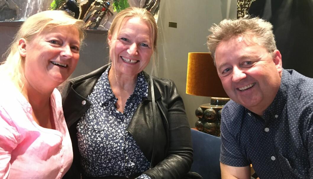 Fra venstre: Ragnhild Guldbrandsen og hennes to gjester fra Bergen, Birthe Nordstrand og Trond Torgersen.