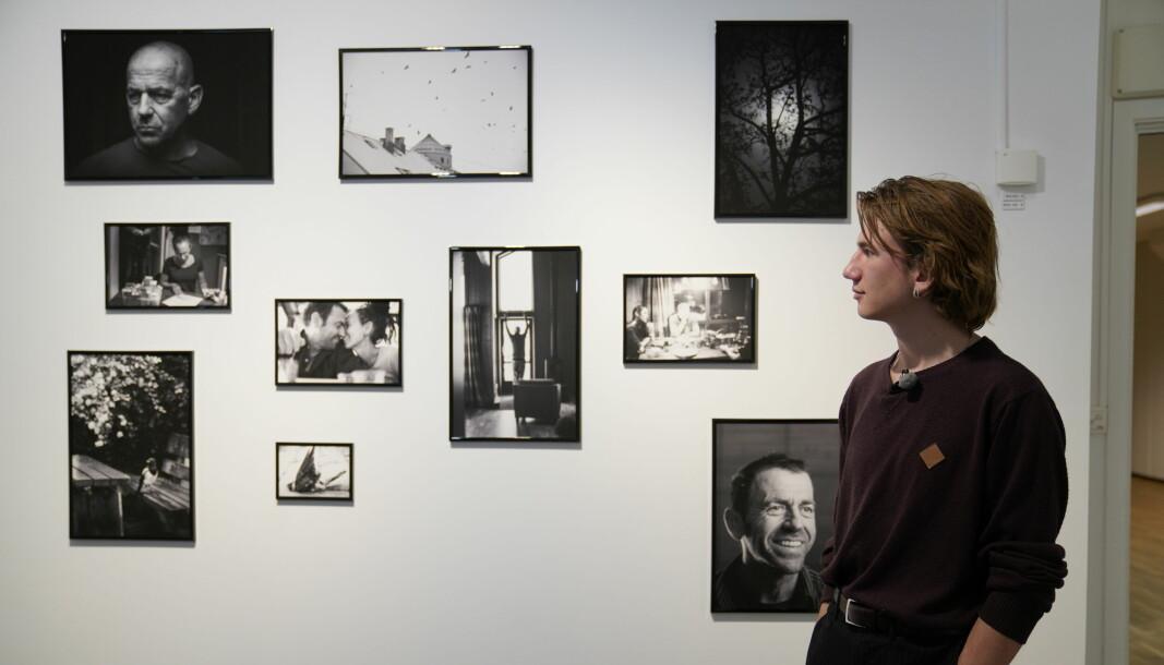 Faren Lars Kristian Gylver var kunstner og foreslo for Noah å ta bildene som en personlig sorgfortelling.