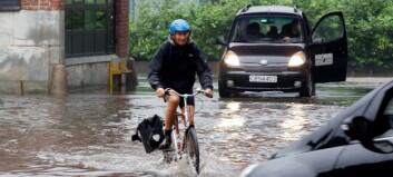 Store mengder regn i Oslo og på Østlandet: - Flytt bilen og ta gjenstander opp fra kjellere