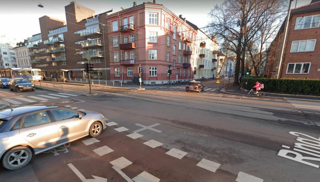 Dette krysset i Kirkeveien ved Middelthunsgate og Majorstukrysset er to av stedene bydel Frogner mener gir trafikkfarlige situasjoner for barn på vei til og fra skolen.