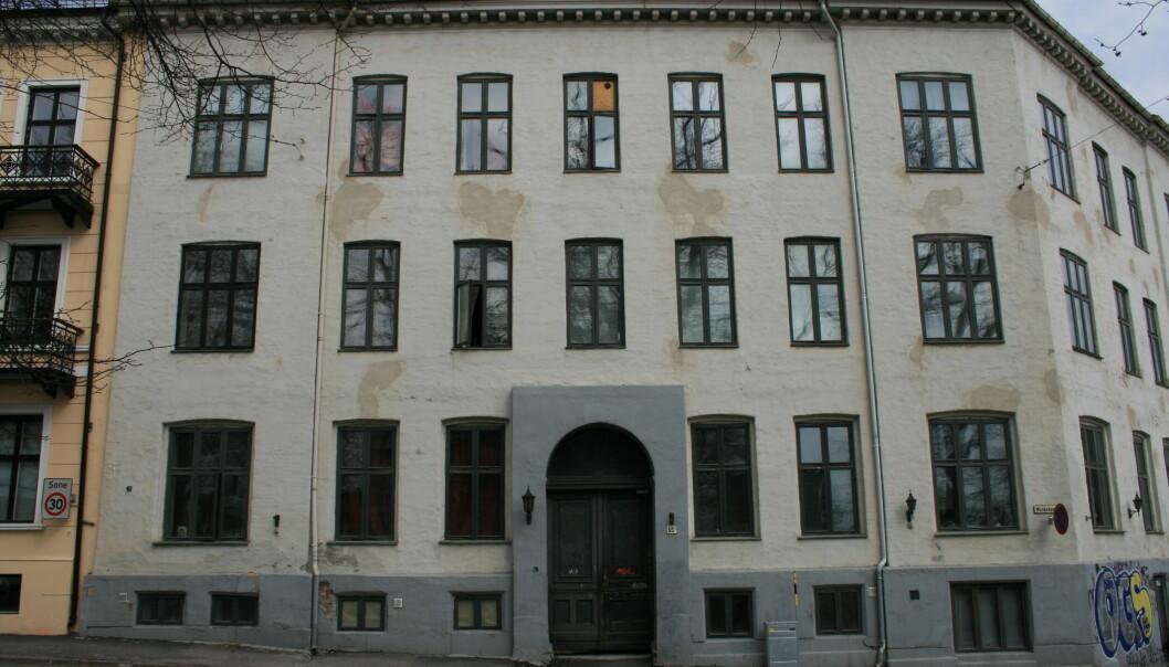 Norsk Tryllemuseum holdt tidligere til her i Munkedamsveien. Det var her 53-åringen var tryllementor for de to 13 år gamle guttene.