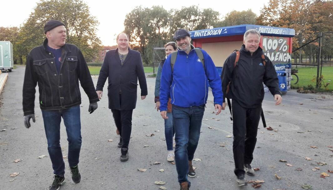 Ut på tur igjen. Arve Edvardsen-Arild (i blått) leder an marsjen sammen med Ronny Hansen (til venstre) og Håkon Stene