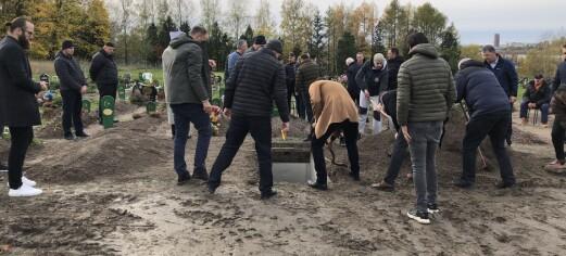 Jeg har fått æren av å bli med og observere hvordan en muslimsk begravelsesseremoni foregår